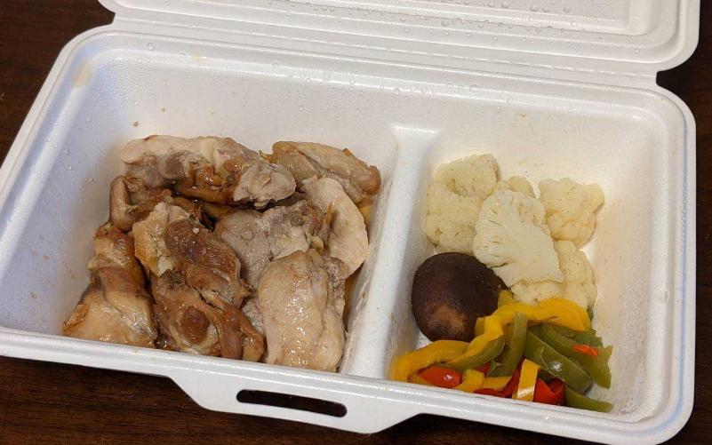 ゴーフードの鶏肉のステーキ弁当