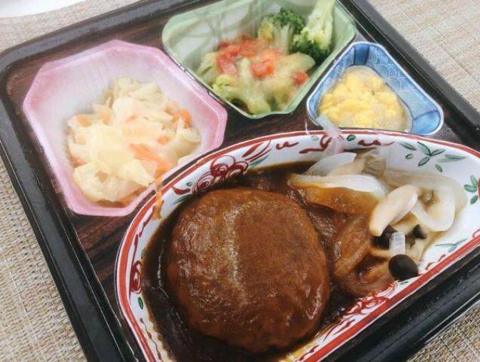 ベルーナグルメのハンバーグ弁当