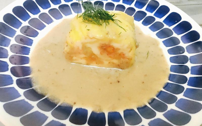 白身魚のムースとオマール海老のルーロートリュフとマッシュルームのヴルーテ
