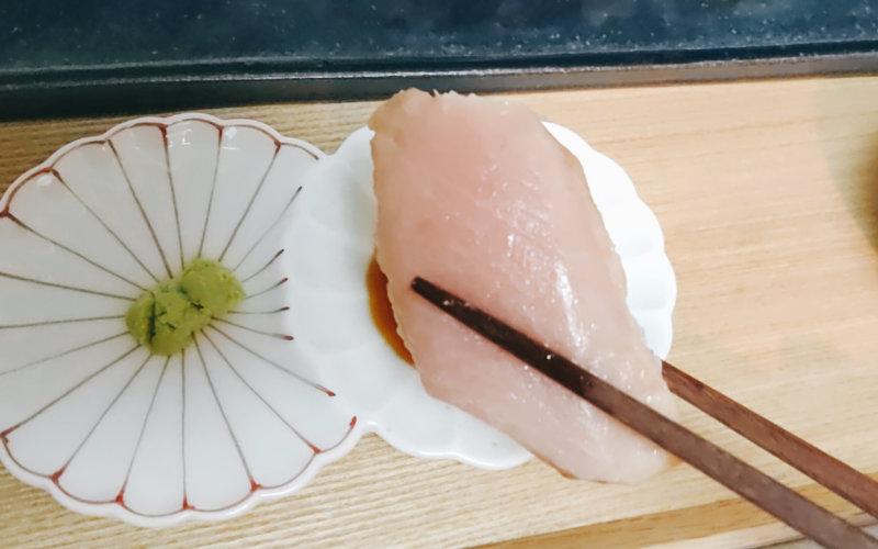 解凍したマグロの寿司